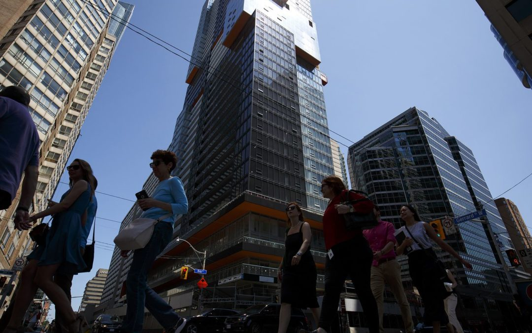 Toronto's rental frenzy makes for a new breed of perks.